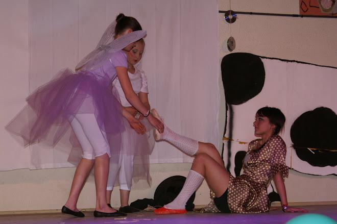 les souliers magiques ( Julie, Jeanne et Tracy)