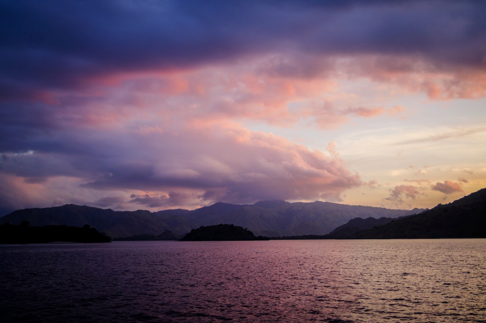 Atardecer en las islas Komodo