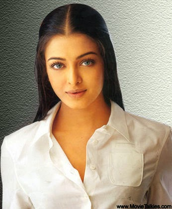 Aishwarya Rai showing cleavage