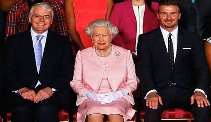 David Beckham Bangga Pamer Foto Bareng Ratu Elizabeth