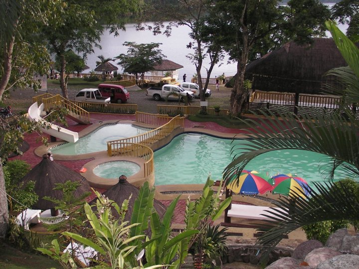Lakewood Resort