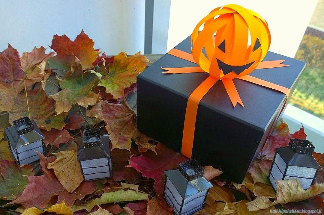 Halloween lahjapaketti paketointi kurpitsa kaikki paketissa