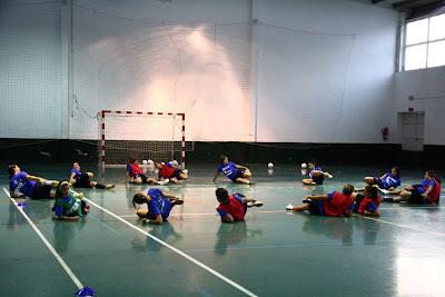 Estiramiento de equipo de fútbol sala