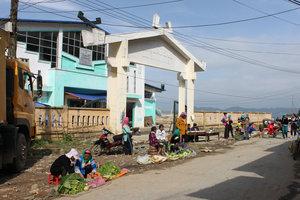 Market in Đào San town