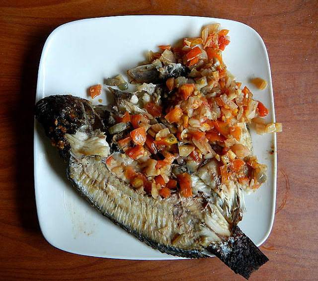 Filipino Dish - Pinaputok na Tilapia