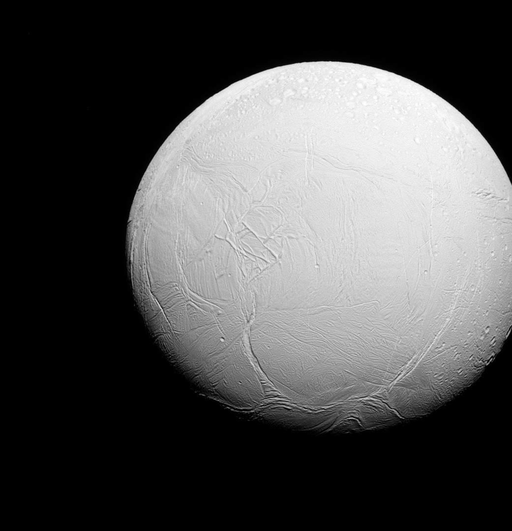 Luna de Saturno en foto de alta calidad.