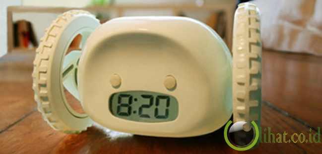 Clocky (yang Bikin Kesel Orang Tidur)