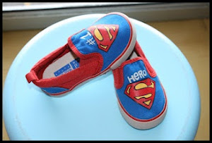 Superman Sneakers Price:RM55 Size: 6(14.5cm)