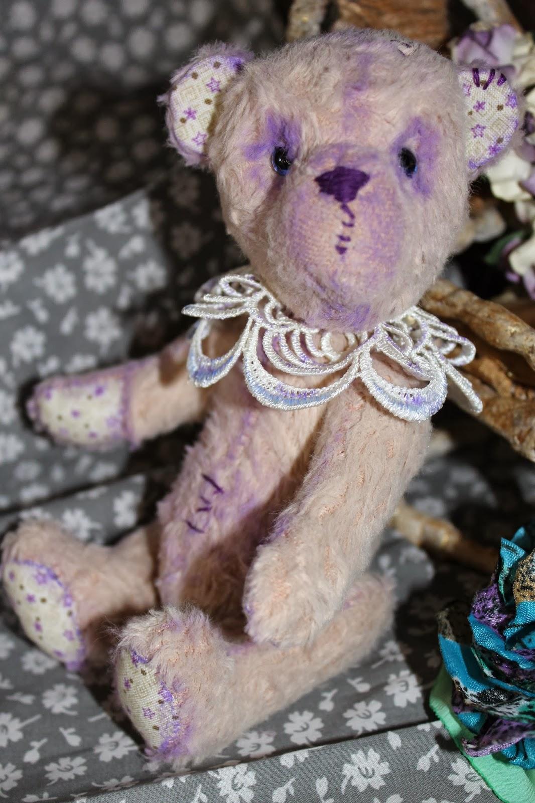 Грустный мишка Тедди