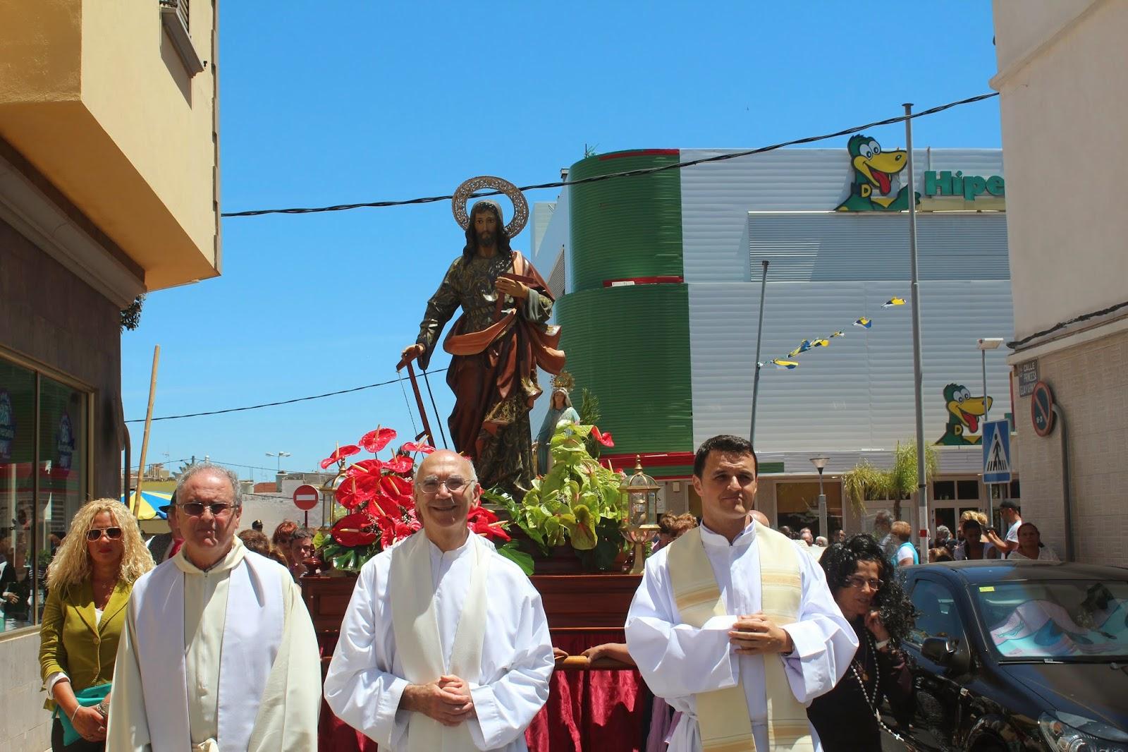 FOTOS PROCESIÓN 1 MAYO 2015 EN CRUCE DE ARINAGA