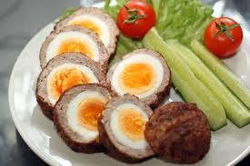 البيض باللحم المفروم