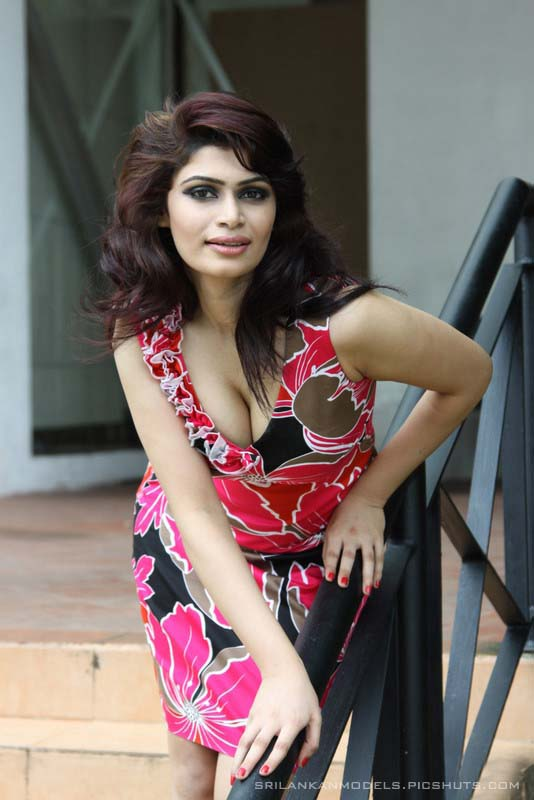 Hirunika Premachandra sexy pictures