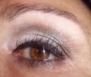 maquillaje de ojos gris