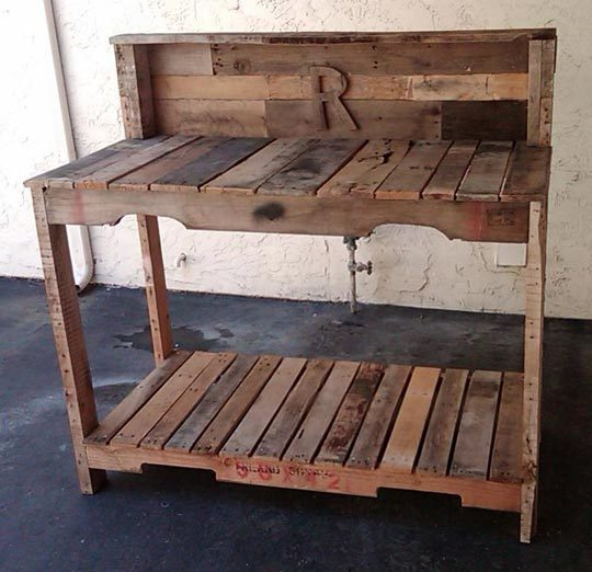Pictures of Potting Benches Made From Pallets