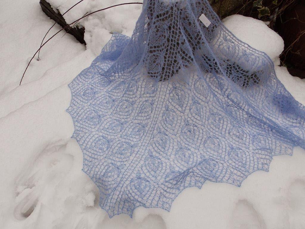 TE KOOP: blauwe kidsilk shawl.
