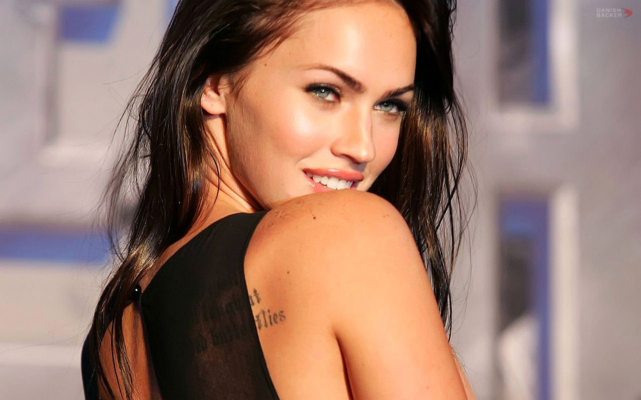 http://4.bp.blogspot.com/-tv47K-MHGTI/T9ICPlV4kUI/AAAAAAAABf8/4pF10hOZV9I/s1600/Megan+Fox+wallpapers+6.jpg