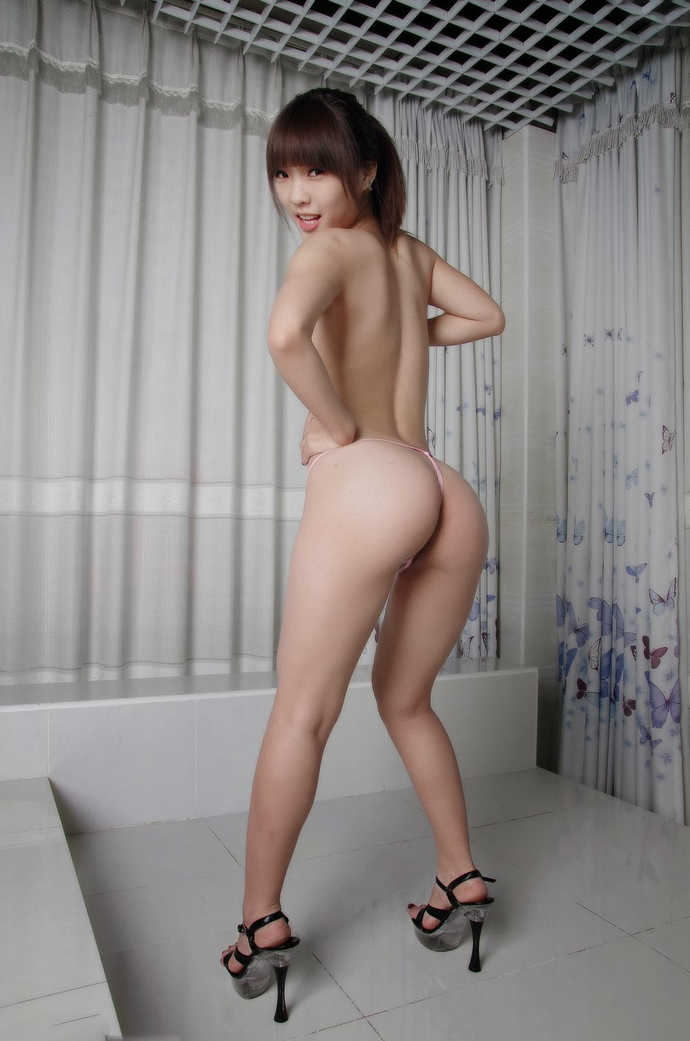 nude chinese butt