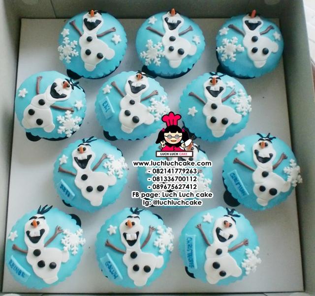 fondant cup cakes 2d