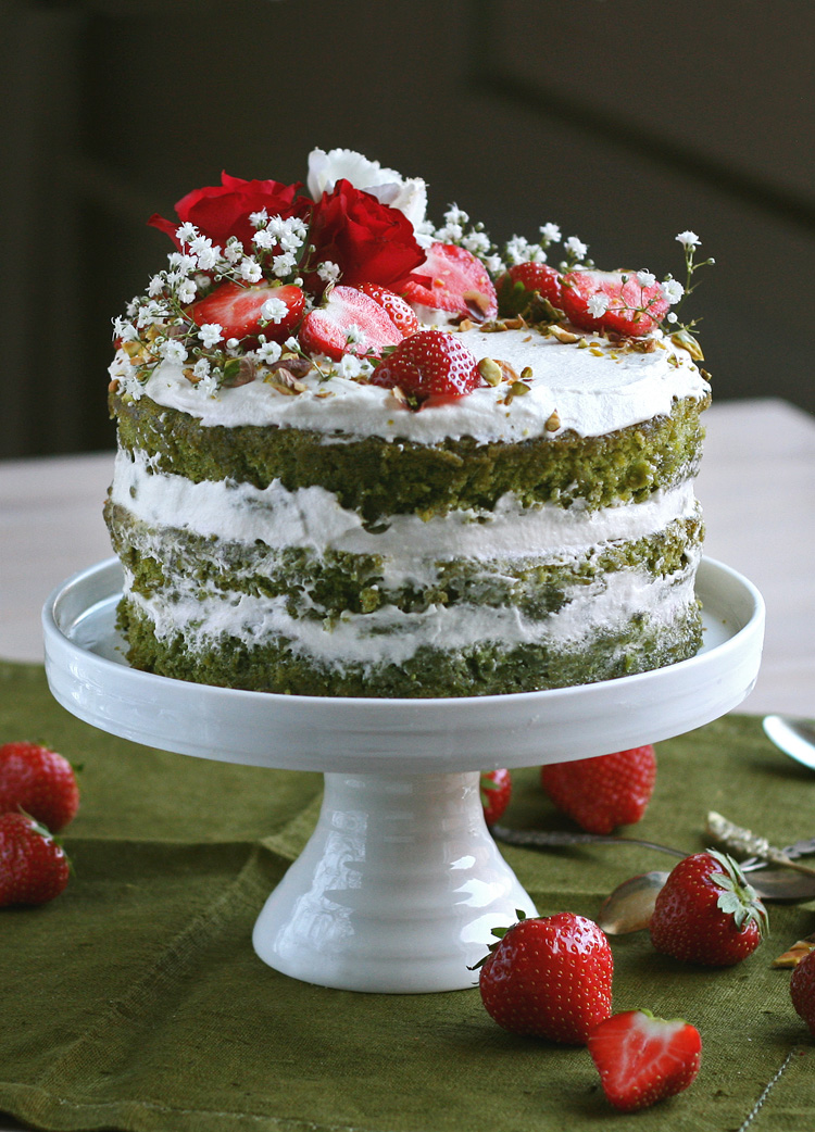 vegan matcha sponge cake with strawberries