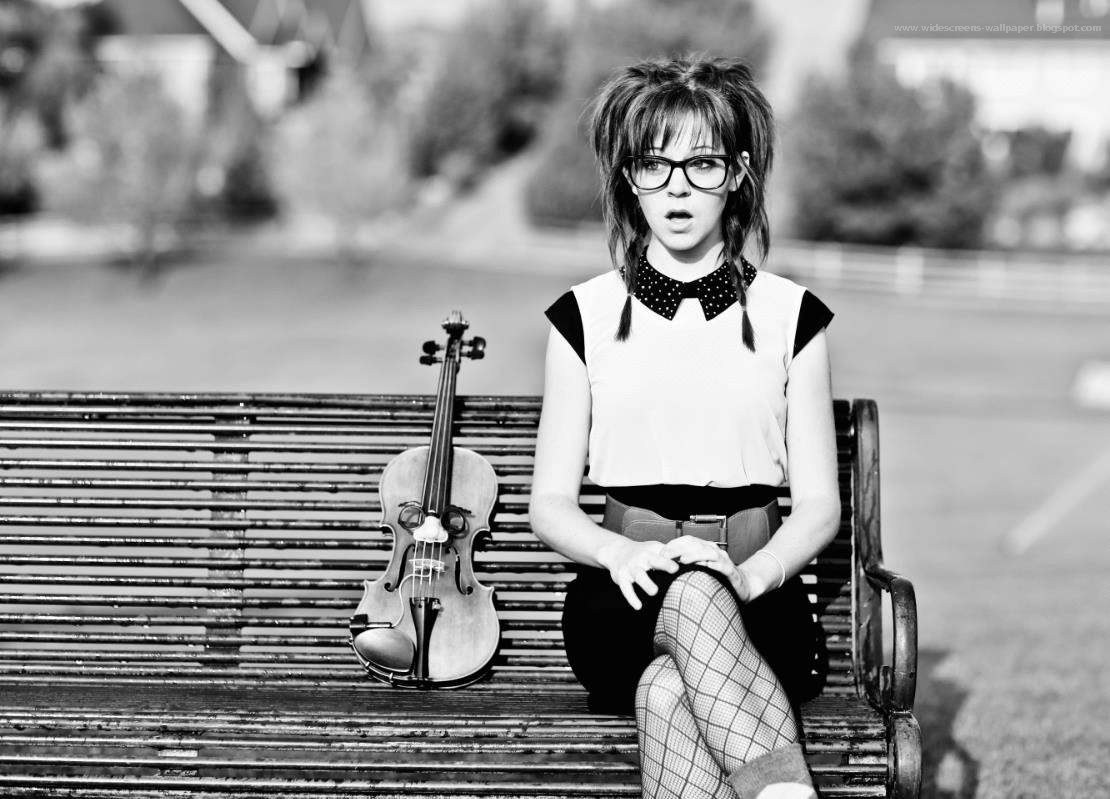 Black White Lindsey Stirling Wallpaper