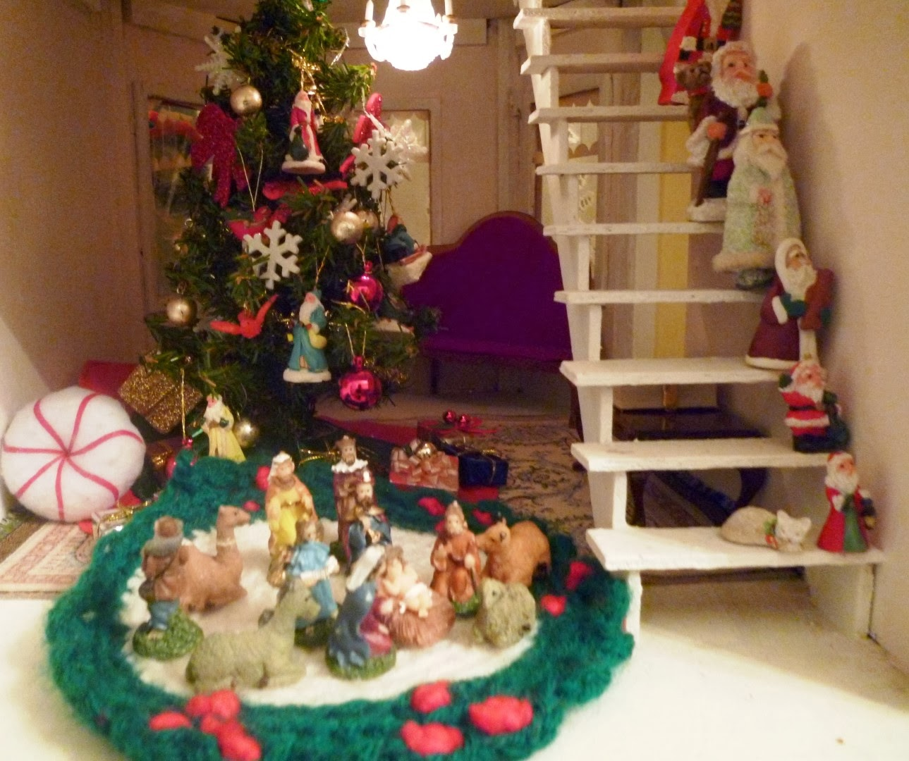 the dollhouse is ahead of the game when it comes to christmas decorating - Dollhouse Christmas Decorations
