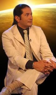 ... programa entrevistan a Reinaldo Dos Santos , El Profeta de America