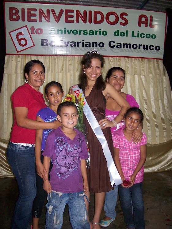 Reina del Liceo y Familia
