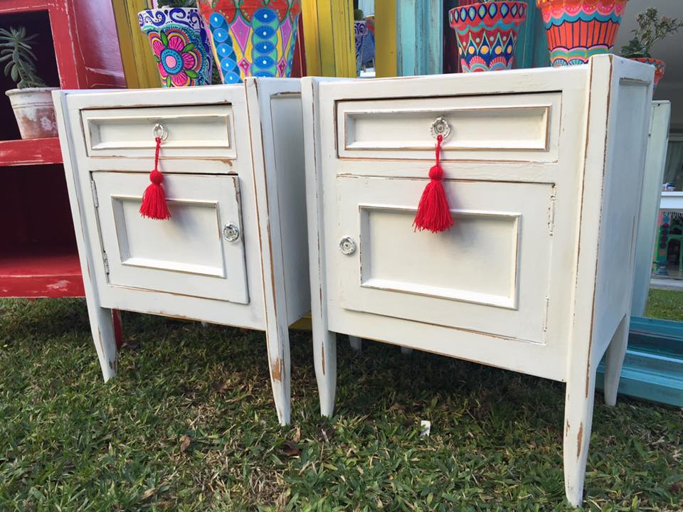 Vintouch muebles reciclados pintados a mano mesas de for Muebles pintados a mano