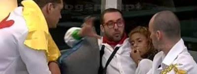 Flávio critica Cátia e Fanny (vídeo)