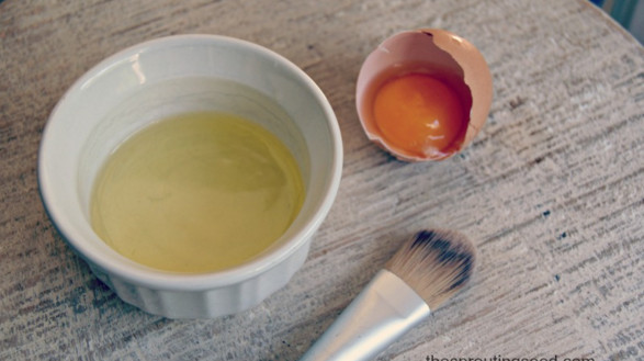 Mặt nạ trị mụn từ lòng trắng trứng gà