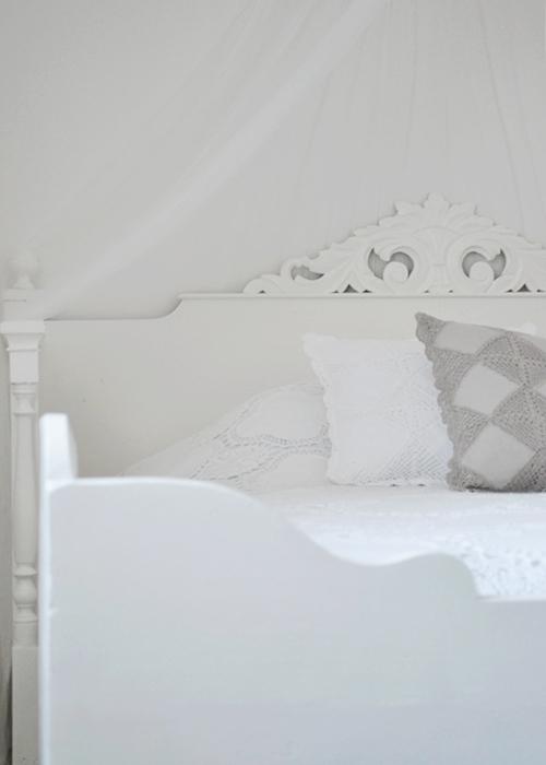 Lantligt sovrum
