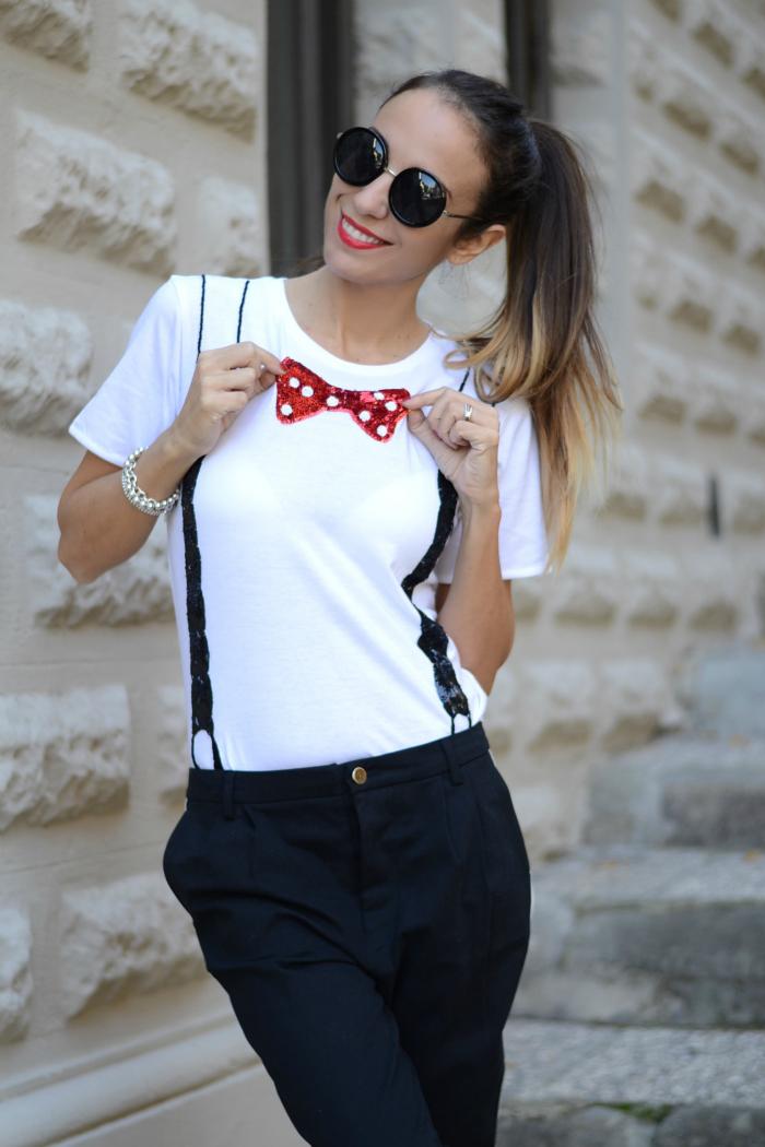 maglietta con papillon
