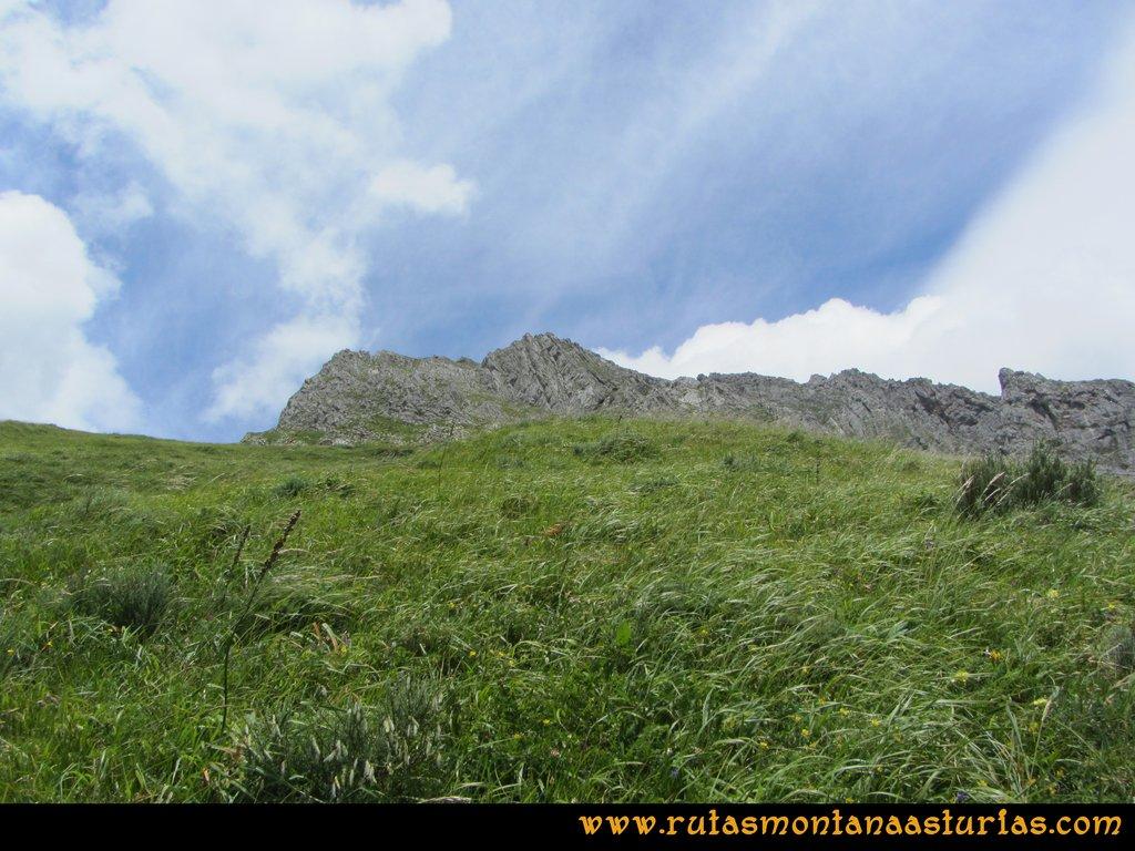 Ruta Tuiza Siegalavá: Bajando zona de la pradera