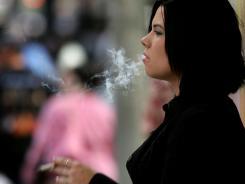 Mulheres fumantes tem maiores riscos de ter cancer de pele