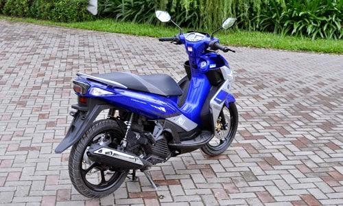 Yamaha Nouvo RC FI 2015 Tampak Belakang Spesifikasi Harga Motor Yamaha Terbaru