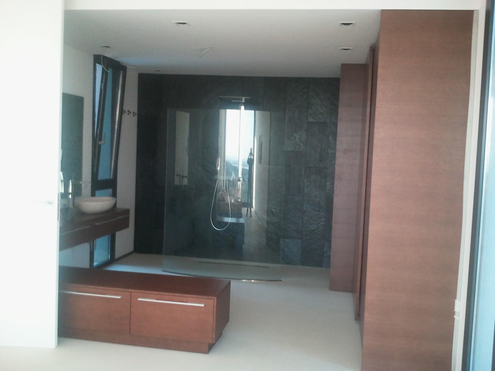 Ba o iii wengue encimera y muebles bajos terral for Muebles para ducha