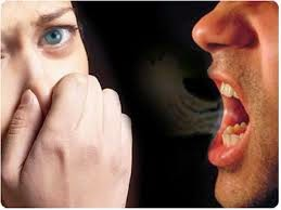6 Cara mengatasi bau mulut saat berpuasa