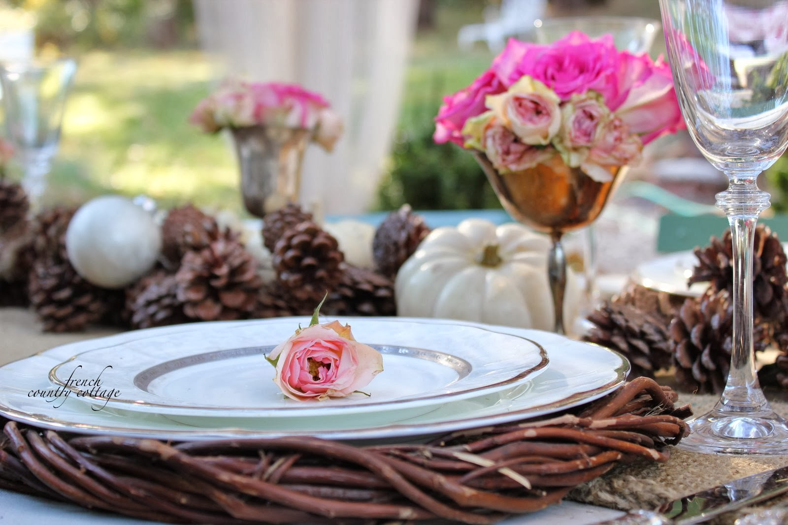 Simple centerpiece french country cottage