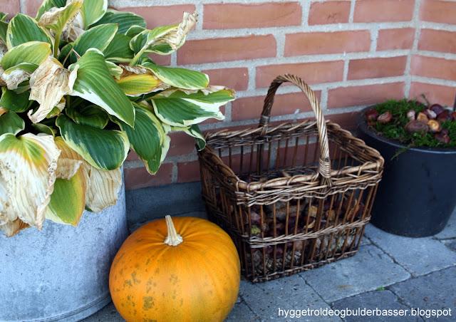 Hyggetrolde & bulderbasser: efterårs pyntede krukker