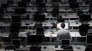 sozinho no escritório