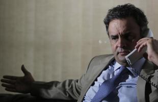 Surrealismo brasileiro: o candidato a presidente da direita é canhoto
