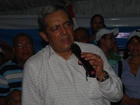 """Hatuey  Decamps asegura, Hipólito  Mejía libro una batalla de """"un hombre contra el Estado"""". Dice: gobierno  de Danilo carece de legitimidad y Resalta que  Vargas Maldonado cometió """"estupideces""""    políticas durante el proceso."""
