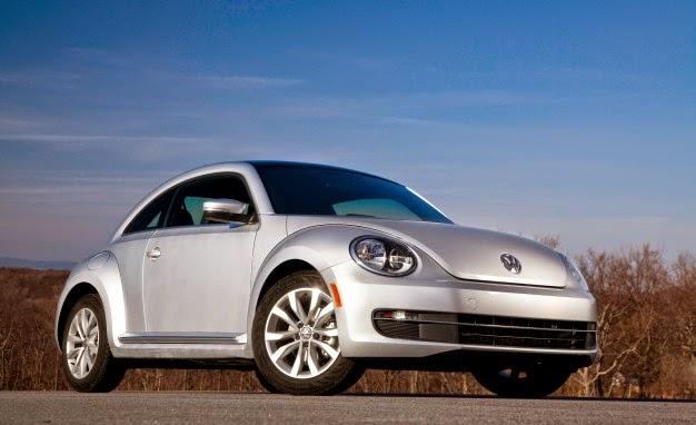2014 Volkswagen Beetle TDI front 3/4 view