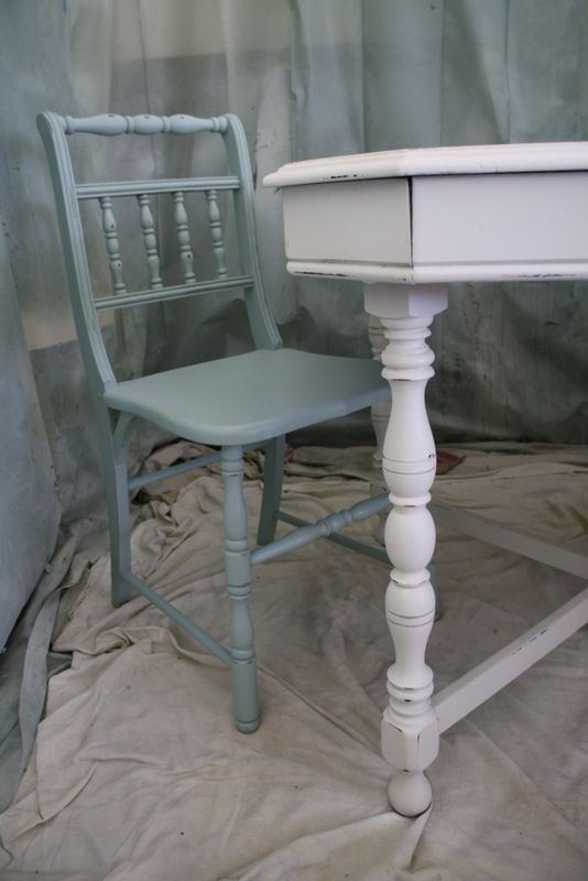 Cameo bliss designs part three milk paint vs chalk paint for Table design latex