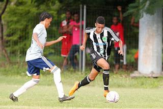 Fwd: Don Bosco supera al Atlético SF Bob FC golea a Universidad O&M