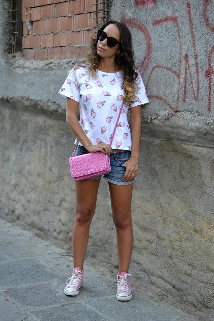 look con converse rosa