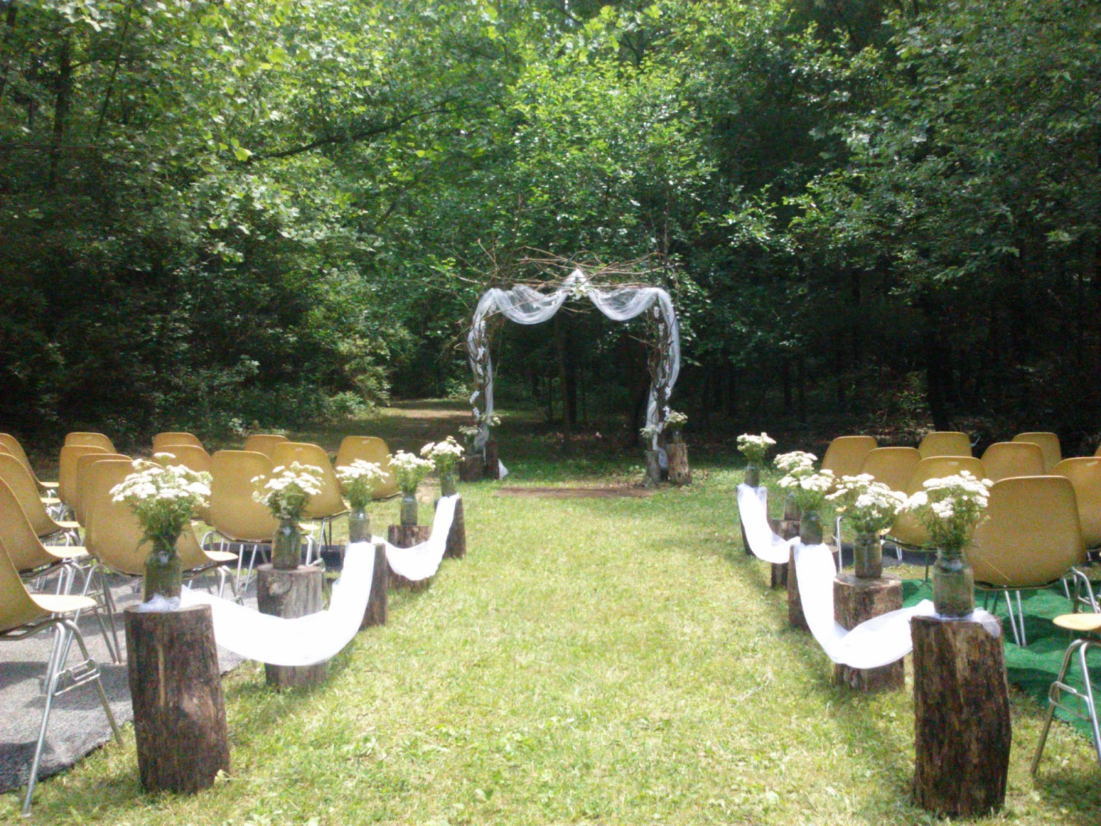 Handcrafted occasions budget rustic outdoor wedding for Outdoor wedding decorations on a budget