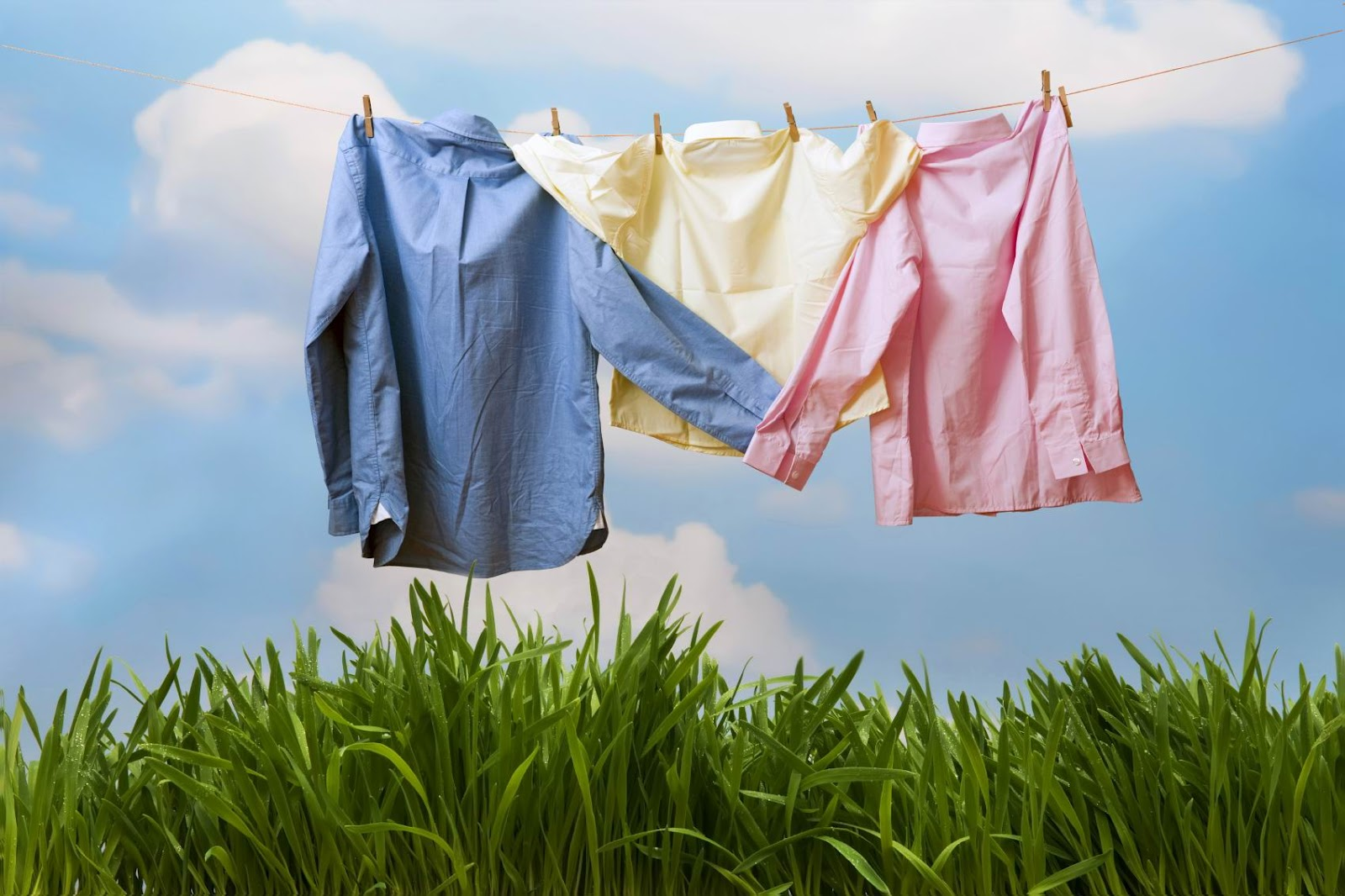 May 07,  · You can use the dry cleaning kit on dark items such as jeans, to prevent them from fading and prevent the color from bleeding onto other clothes when you wash them in the washing machine. Inspect the clothing before placing the items into the dryer bag%().