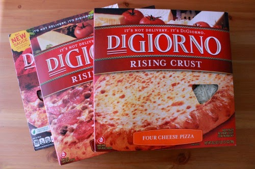 Four Cheese Digiorno %23shop Football Pizza with DiGiorno #GameTimeGoodies