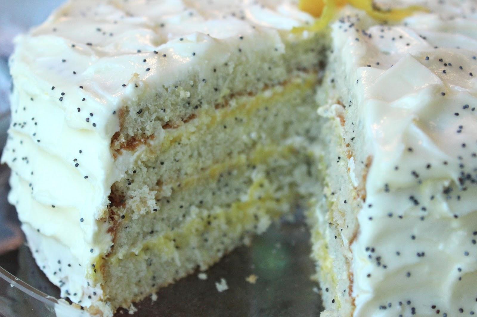 CupcakesOMG!: Lemon Poppyseed Cake